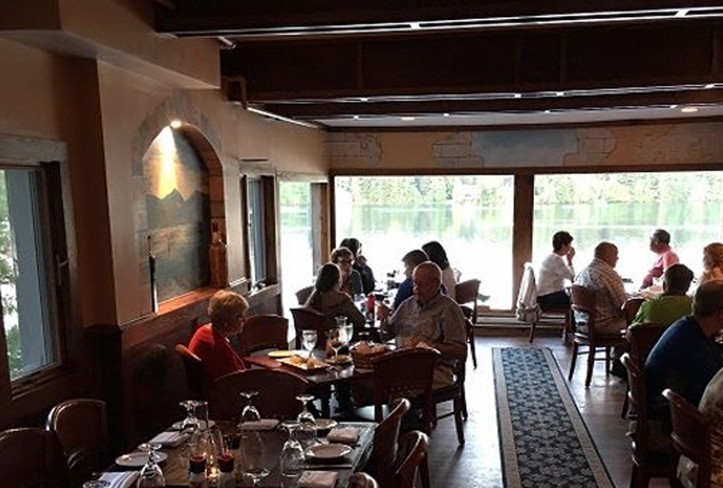 Jimmy's 21 Lakeside Restaurant